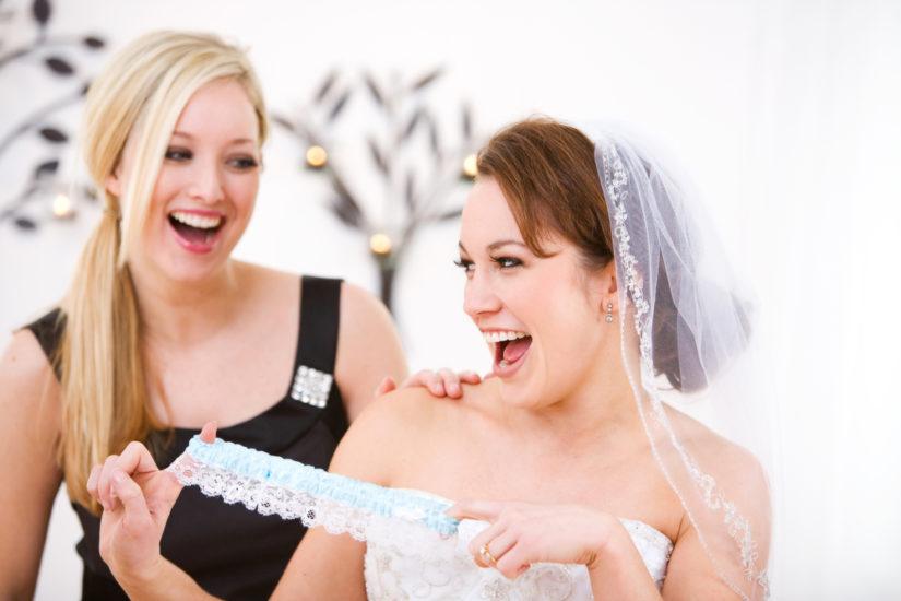 Jarretière de mariage tradition, variantes et conseils