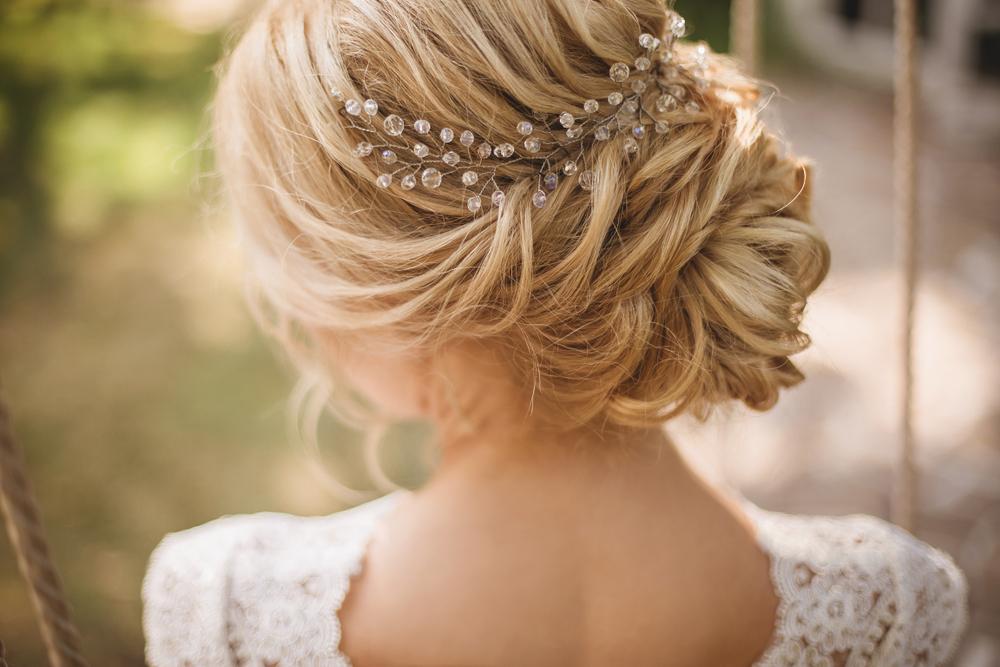 Quelle coiffure de mariée choisir en fonction de sa robe