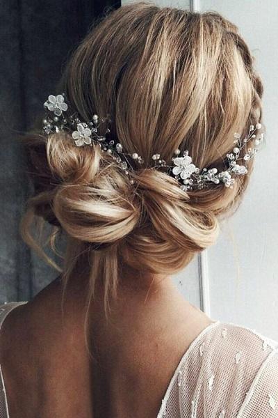 chignon bas coiffure mariage cheveux mi-longs