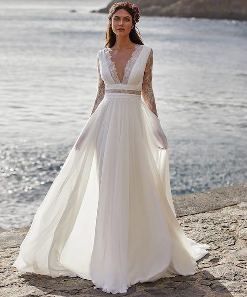 coiffure de mariage et robe de mariée