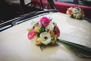 décoration de la voiture de mariage