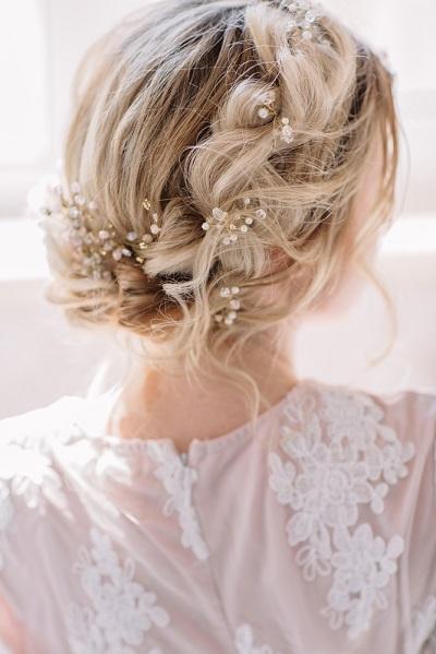 mariée coiffure cheveux mi-longs