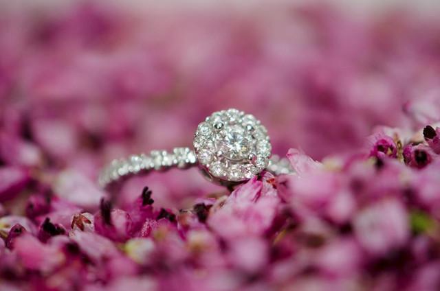 pierres précieuses pour son alliance mariage
