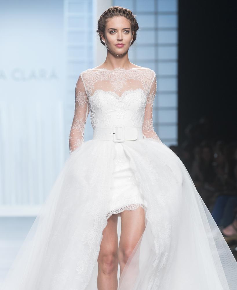 robe de mariée originale asymétrique